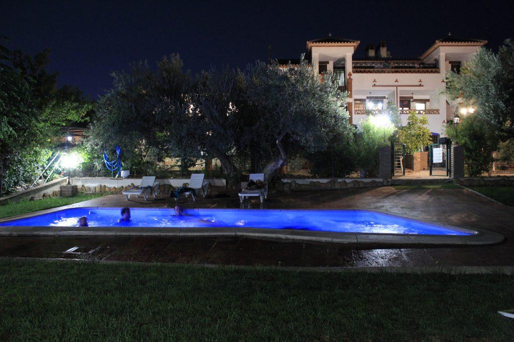 Ventajas de las piscinas de agua salada piscina en casas for Piscina agua salada