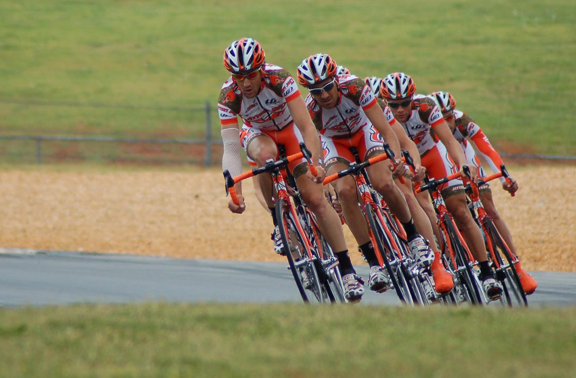 Vive La Vuelta Ciclista España En Hinojares, Casa Rural La Suerte
