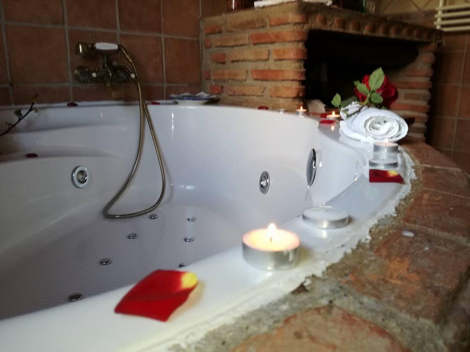 Beneficios Para La Salud De Meterse En Un Jacuzzi, Apartamentos Rurales La Suerte